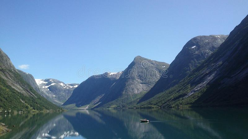 Montaña en el fjordane Noruega del og del sogn imagen de archivo libre de regalías