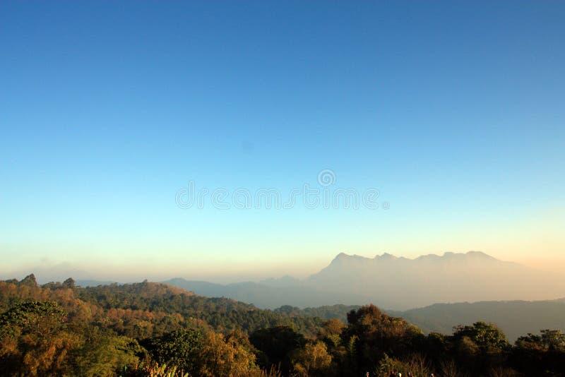 Montaña en Tailandia del norte fotos de archivo libres de regalías