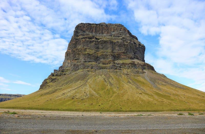 Montaña Lomagnupur, Islandia meridional del vector imagenes de archivo