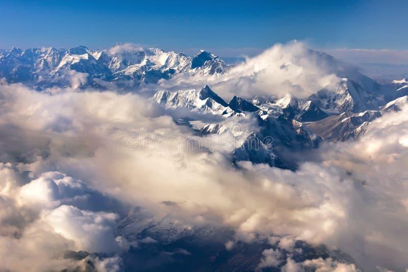 Montaña Nepal de Himalaya foto de archivo