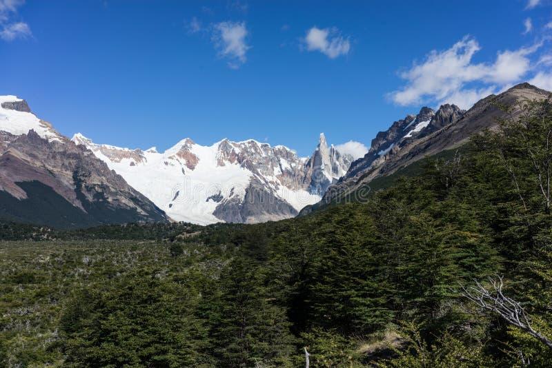 Montaña rugosa de Cerro Torre Región de la Patagonia de la Argentina fotos de archivo libres de regalías