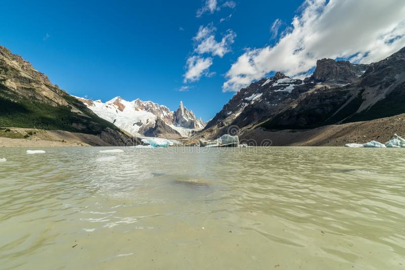 Montaña rugosa de Cerro Torre Región de la Patagonia de la Argentina fotos de archivo