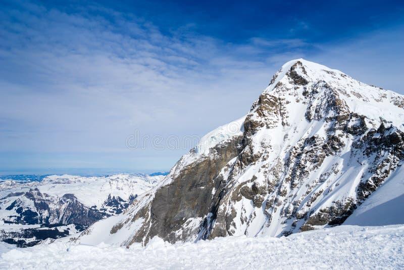 Montaña suiza, Jungfrau, Suiza, estación de esquí fotografía de archivo