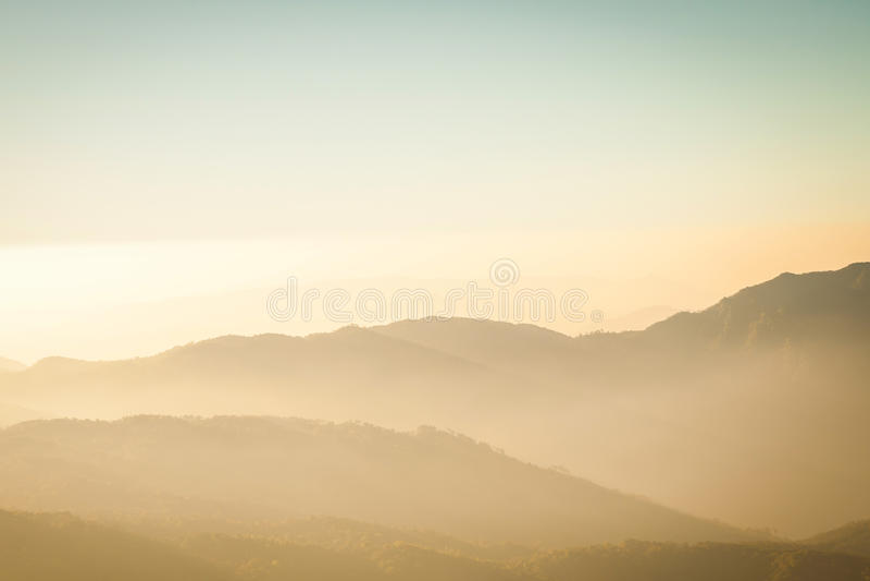 Montaña y sepia de la capa imagen de archivo