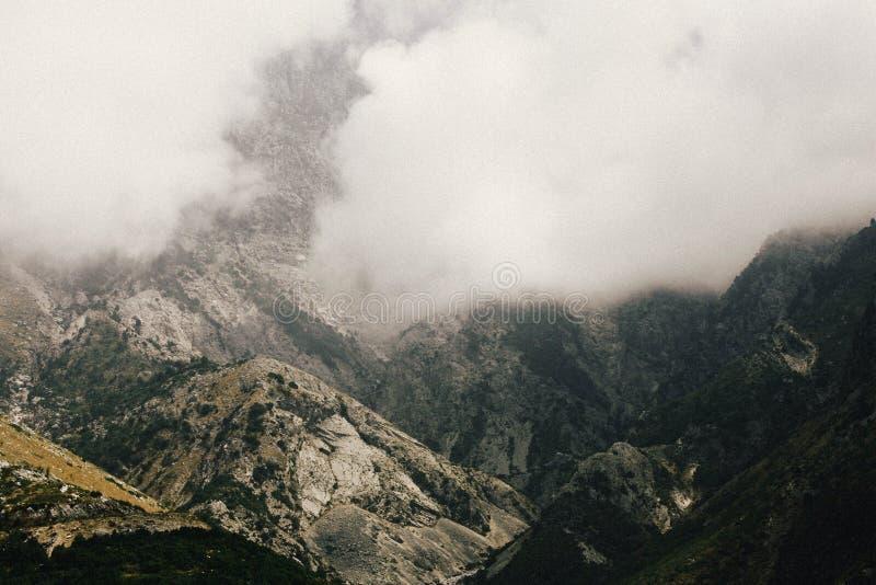Montañas albanesas fotografía de archivo
