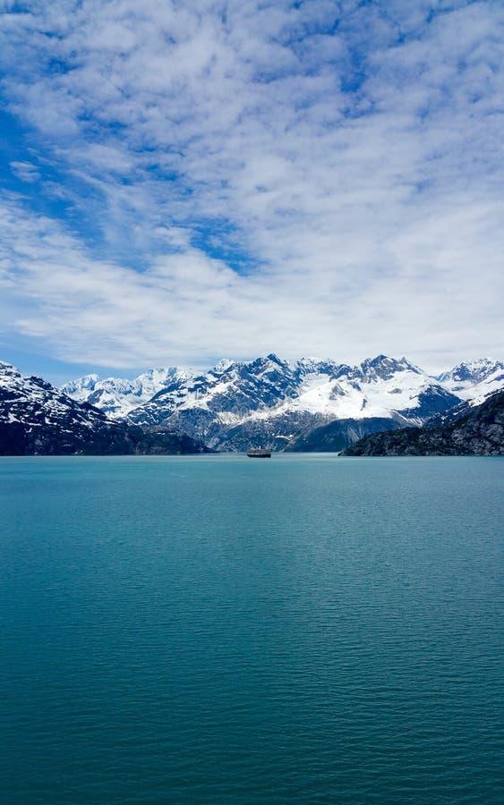 Montañas capsuladas nieve Alaska fotografía de archivo libre de regalías