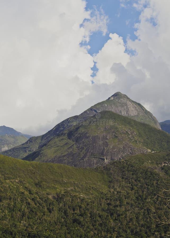 Montañas cerca de Petropolis, el Brasil fotografía de archivo libre de regalías