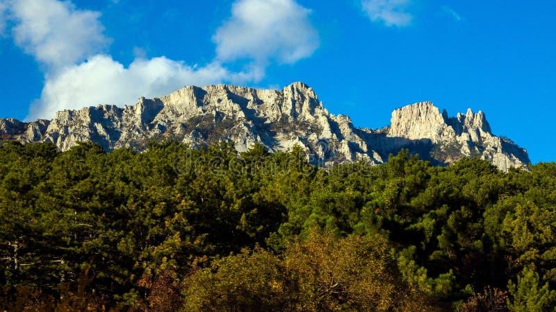 Montañas de Ai-Petri, Crimea, Yalta imagenes de archivo