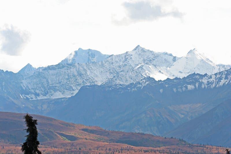 Montañas de Alaska imagenes de archivo