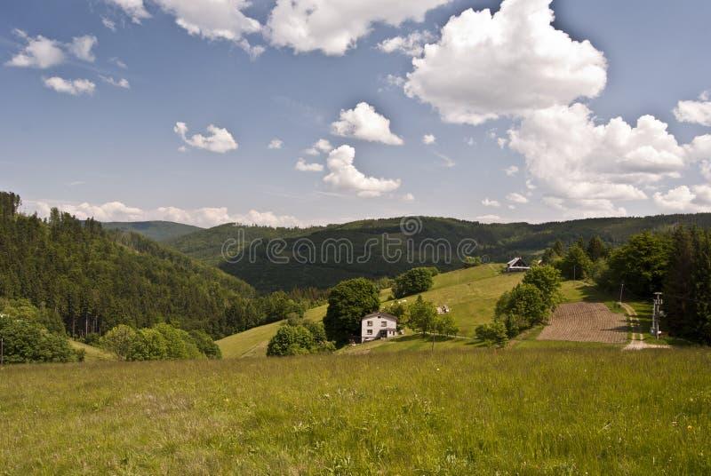 Paisaje de las montañas de Beuatiful Beskydy imagen de archivo libre de regalías