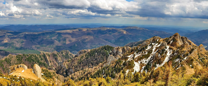 Montañas de Ciucas en Rumania fotografía de archivo libre de regalías