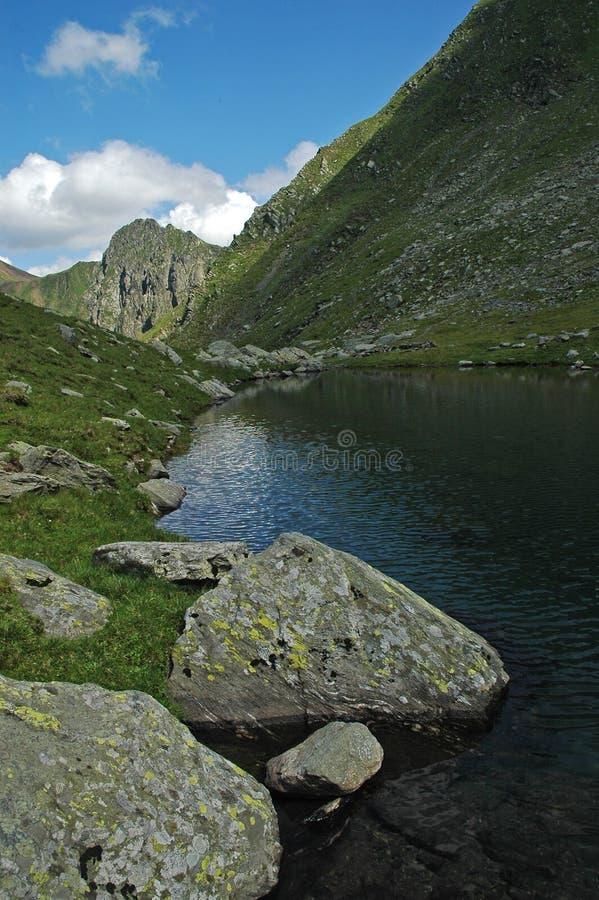 Montañas de Fagaras, Cárpatos meridionales, Rumania imagen de archivo