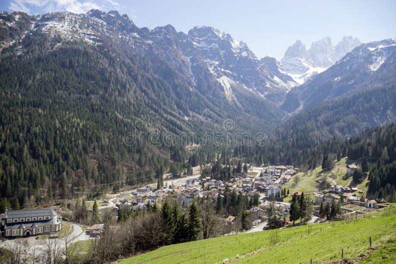 Montañas de Italia foto de archivo