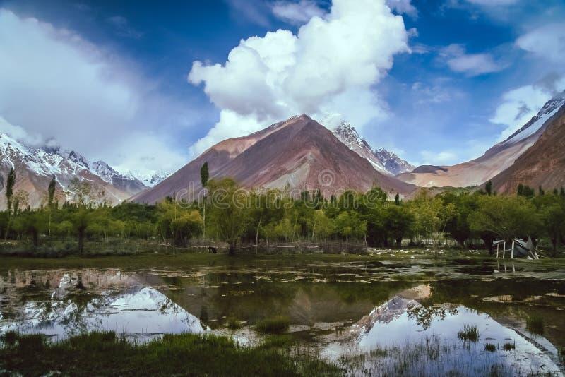 Montañas de Karakorum foto de archivo