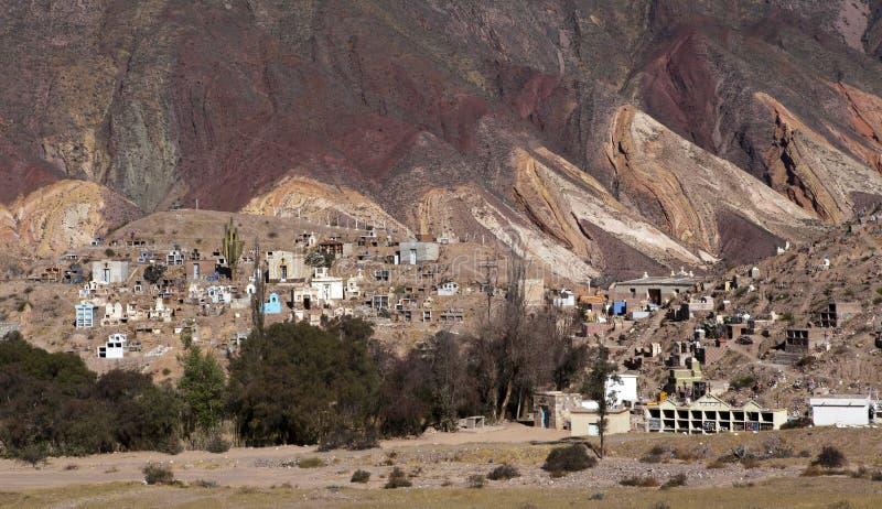 Montañas de la paleta del pintor en Maimara, provincia de Jujuy en la Argentina - Suramérica imágenes de archivo libres de regalías
