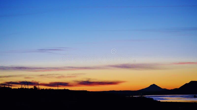 Montañas de la puesta del sol imagen de archivo libre de regalías