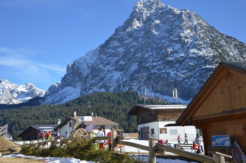 montañas de las montañas del invierno fotografía de archivo libre de regalías