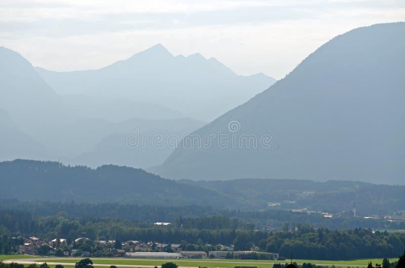 Montañas de las montan@as foto de archivo libre de regalías