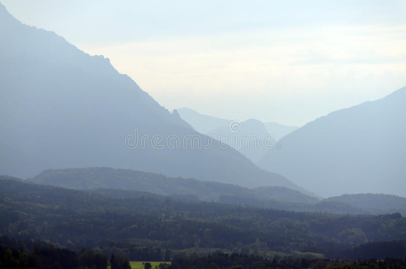 Montañas de las montan@as foto de archivo