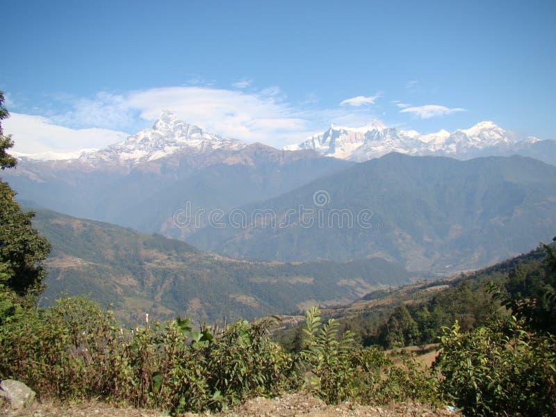 Montañas de lejos fotografía de archivo libre de regalías