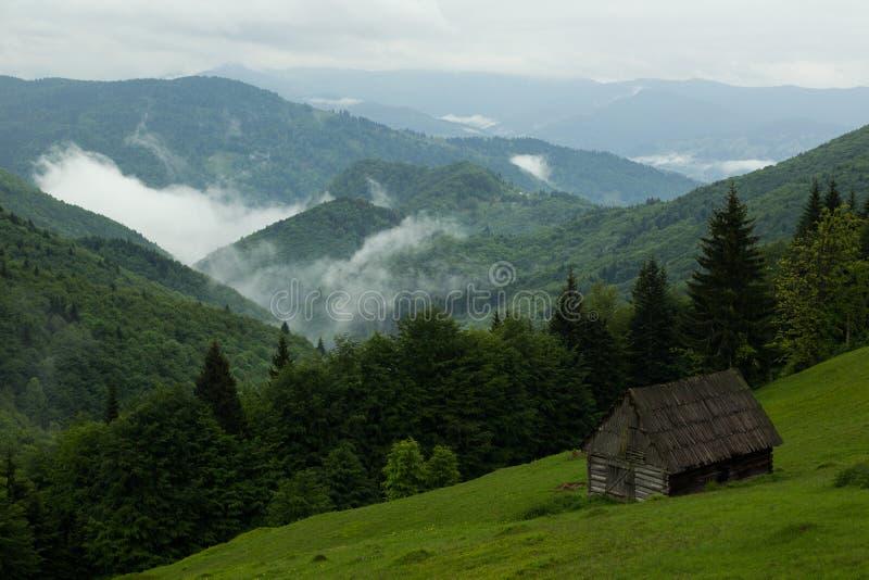 Montañas de Maramures imagen de archivo libre de regalías