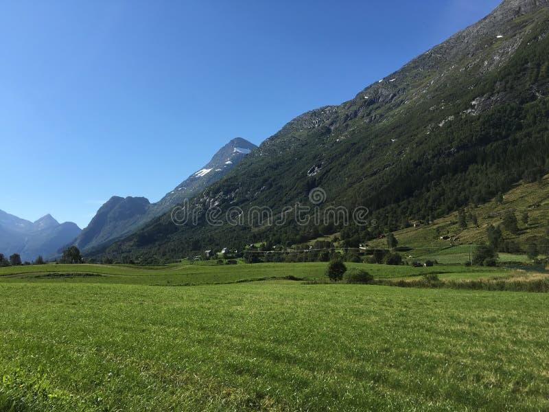 Montañas de Noruega fotografía de archivo