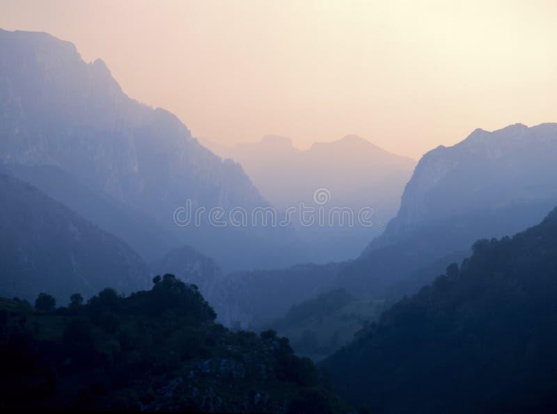 Montañas de Picos de europa imagen de archivo libre de regalías