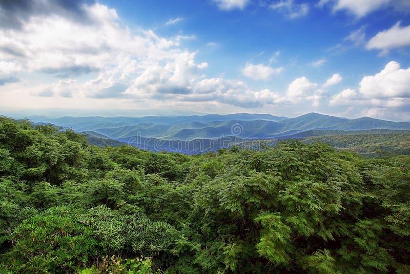 Montañas de Ridge azul fotografía de archivo libre de regalías