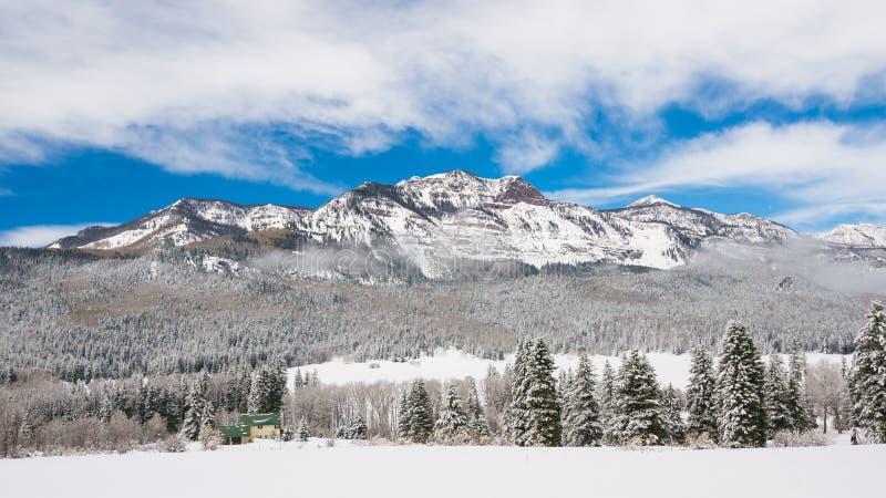 Montañas del invierno de Colorado fotografía de archivo