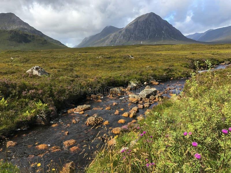 Montañas del paisaje de la montaña de Escocia foto de archivo libre de regalías