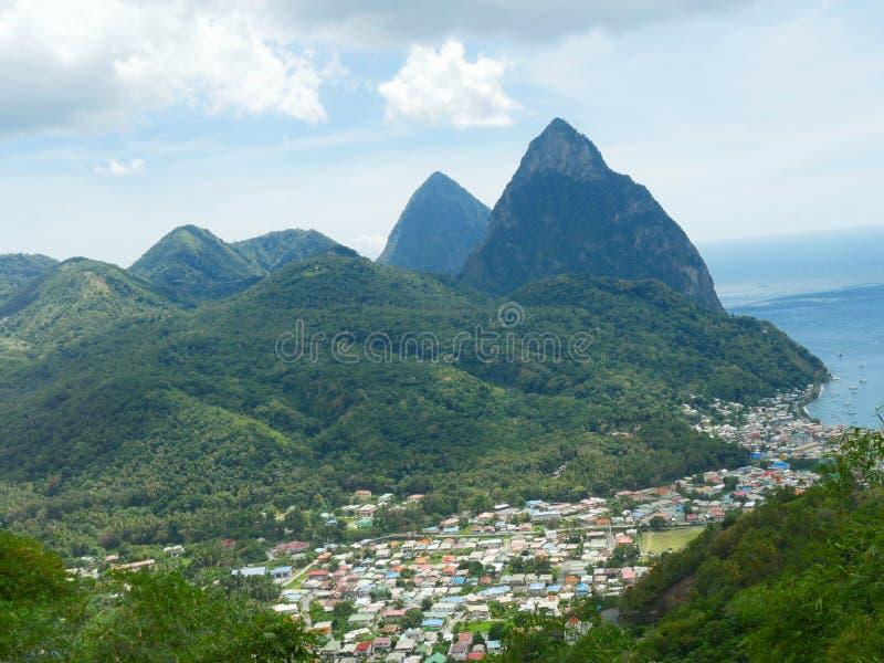 Montañas del pitón, St Lucia imagen de archivo