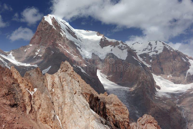 Montañas del ventilador foto de archivo