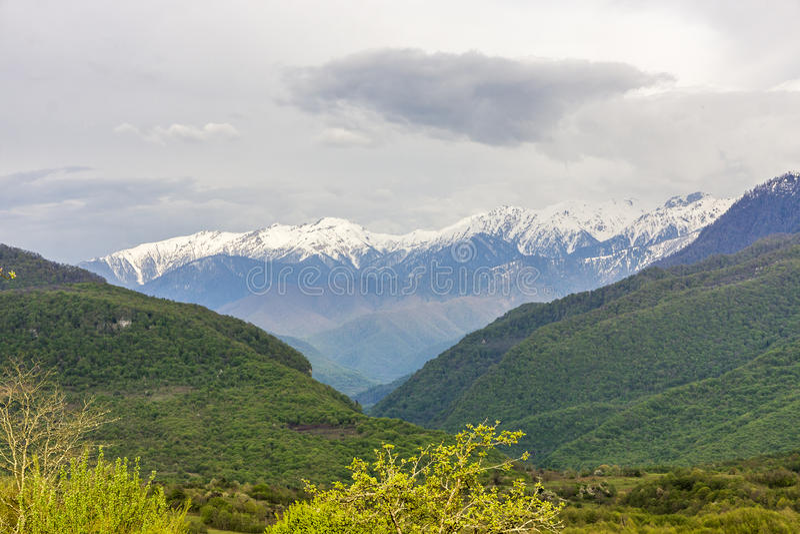 Montañas en Abjasia imagen de archivo