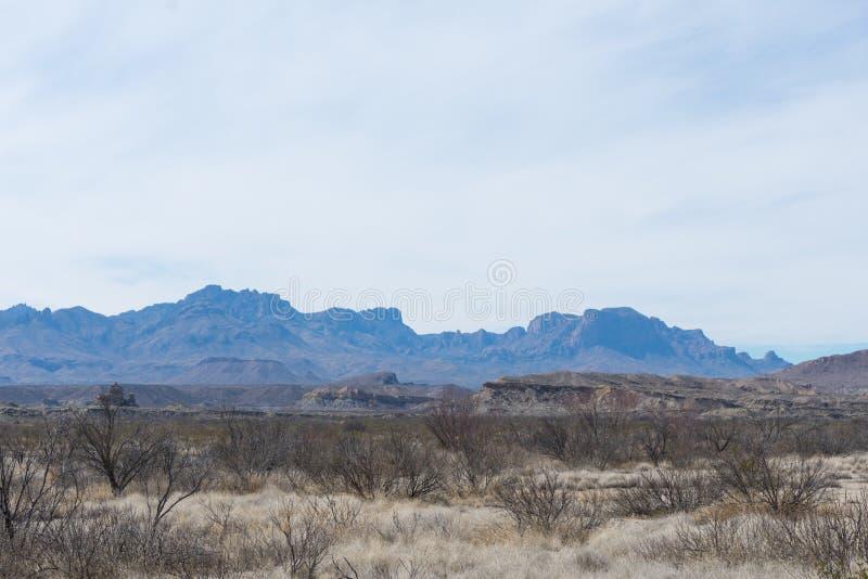 Montañas en el desierto fotos de archivo