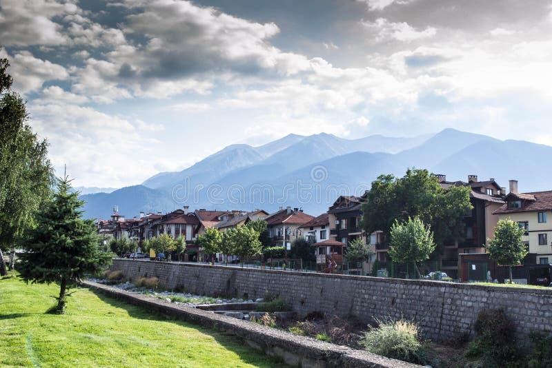 Montañas en la naturaleza de Bansko en Bulgaria foto de archivo libre de regalías