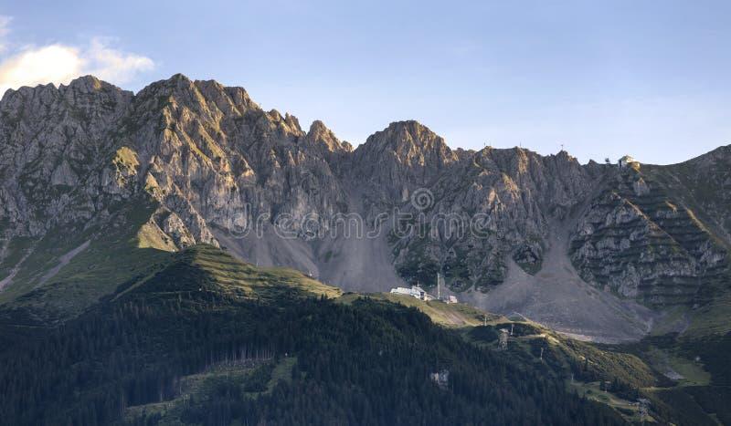 Montañas en las montañas austríacas fotografía de archivo libre de regalías