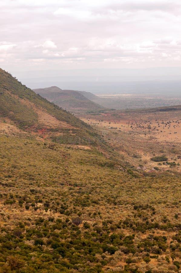Download Montañas En Un Valle De Kenia Foto de archivo - Imagen de belleza, africano: 42442620
