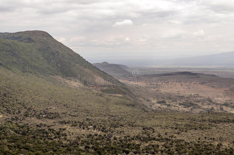 Download Montañas En Un Valle De Kenia Foto de archivo - Imagen de destinación, naturalizado: 42442954