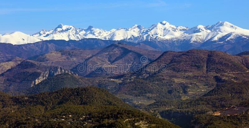 Montañas francesas riviera francesa, ` Azur, costa mediterránea de CÃ'te d, Eze, Saint Tropez, Cannes y Mónaco Agua azul y yates  foto de archivo libre de regalías