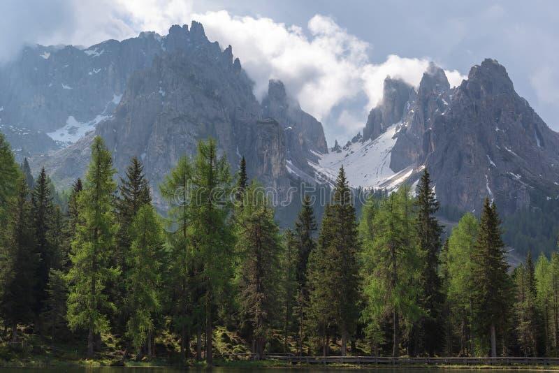 Montañas italianas, dolomías de Auronzo di Cadore imágenes de archivo libres de regalías