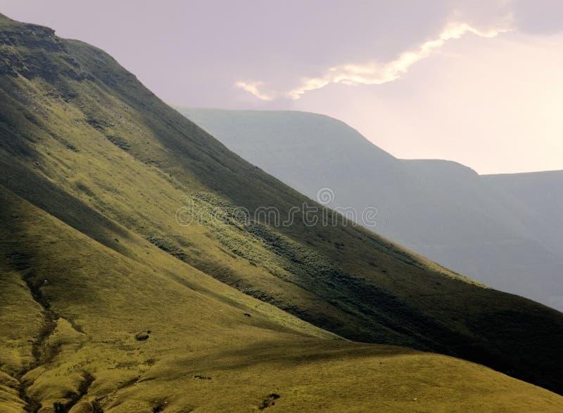 Montañas negras imagen de archivo libre de regalías