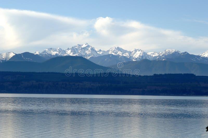 Montañas olímpicas en invierno foto de archivo