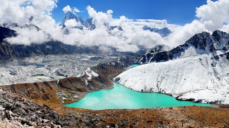 Montañas, otoño, Everest, Himalaya imágenes de archivo libres de regalías