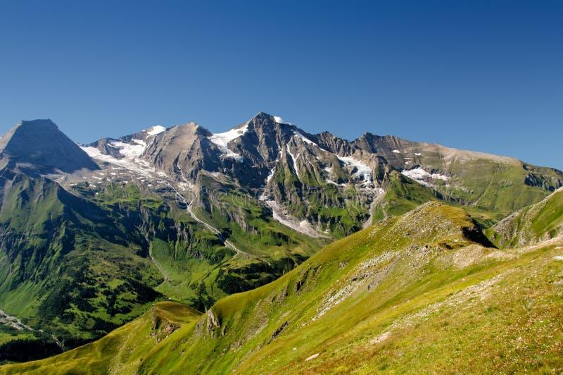 Montañas panorámicas imagenes de archivo