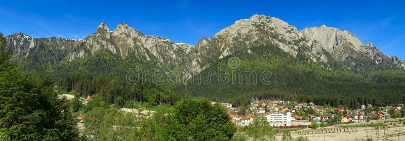 Montañas panorama, Cárpatos, Rumania de Bucegi fotografía de archivo