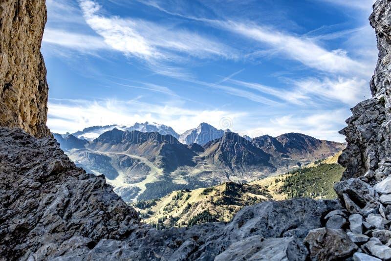 Montañas Piz Boe de la dolomía imagenes de archivo