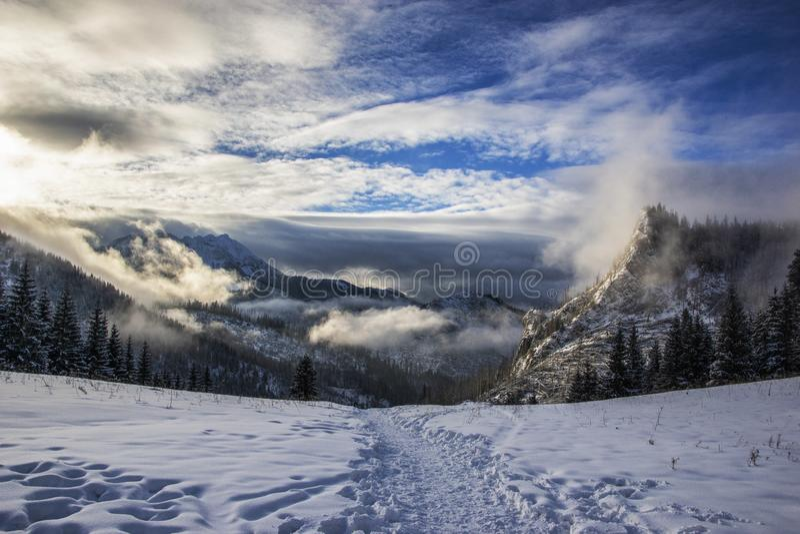 Montañas polacas hermosas foto de archivo