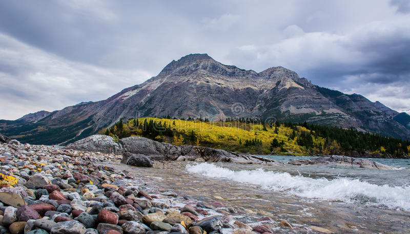 Montañas rocosas de Waterton fotografía de archivo libre de regalías
