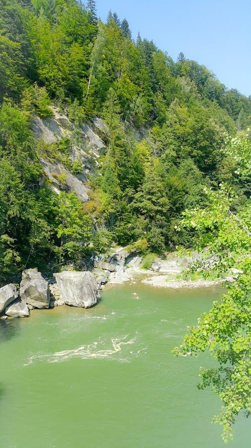 Montañas y cascadas en los Cárpatos, Svalyava fotos de archivo libres de regalías