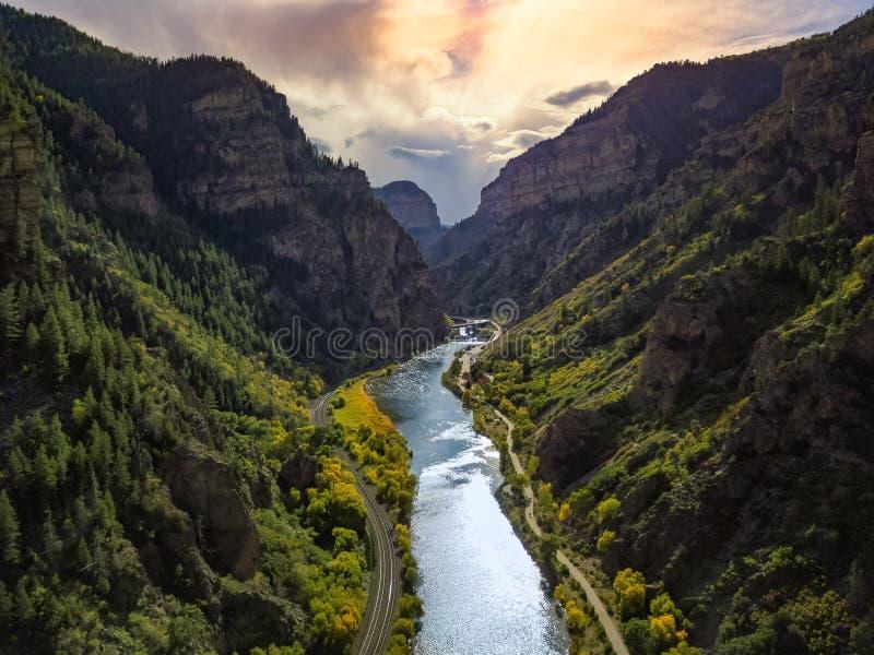 Montañas y friver de Colorado imágenes de archivo libres de regalías